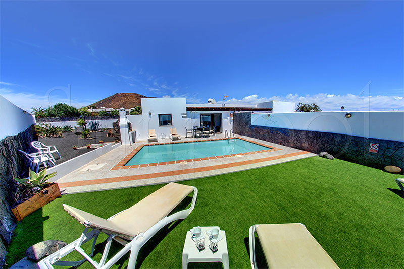 Villa sol location lanzarote avec piscine for Location villa lanzarote avec piscine
